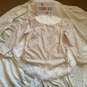 Torrid striped blouse size 1 ruched sides